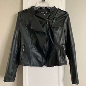 BLACK LEATHER FASHION JACKET (fake)